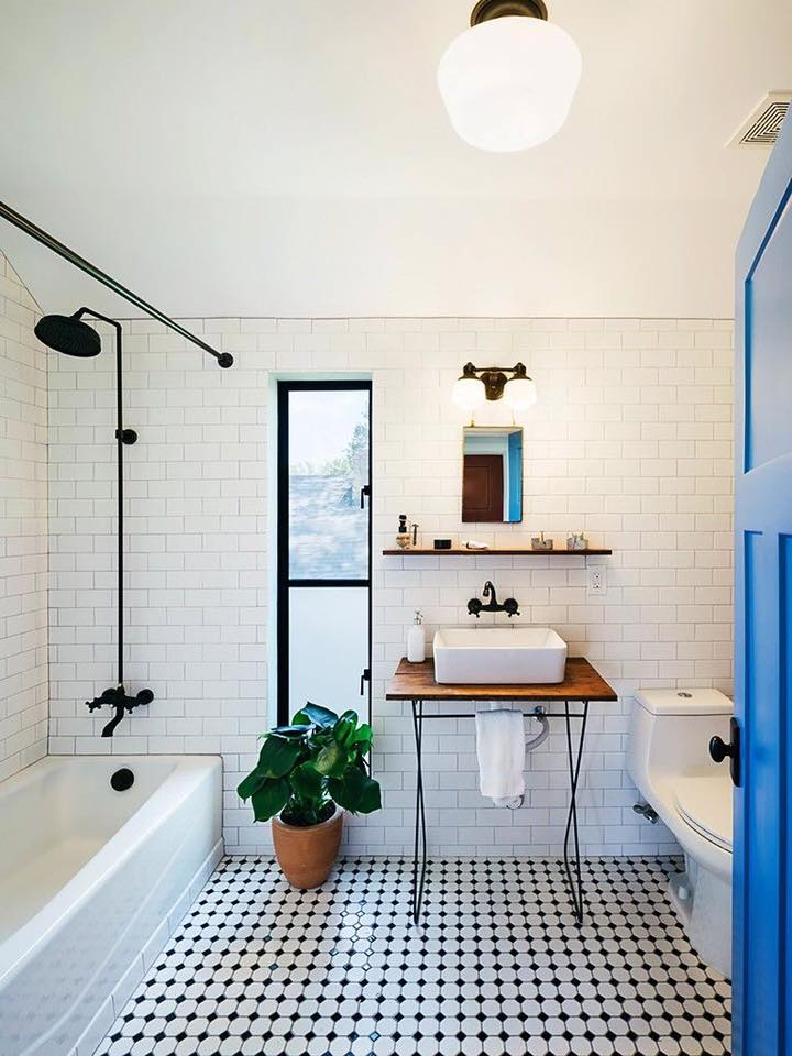 . Simple   Modern Black   White Bathroom   Blurmark