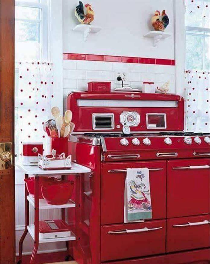 Stunning Red Retro Style Kitchen Idea