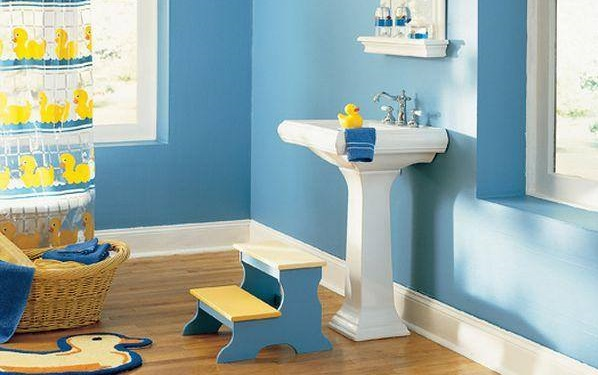 Stylish Blue Kids Bathroom Design