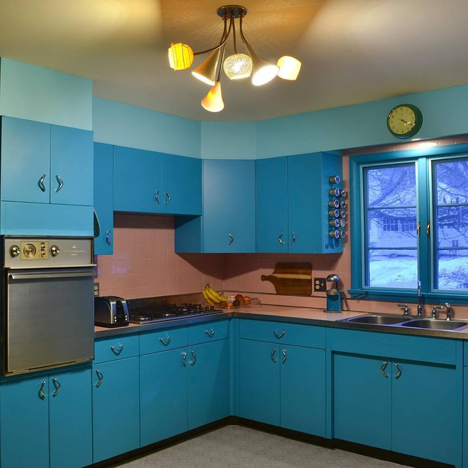 Sy Blue Retro Style Kitchen With Beautiful Chandelier