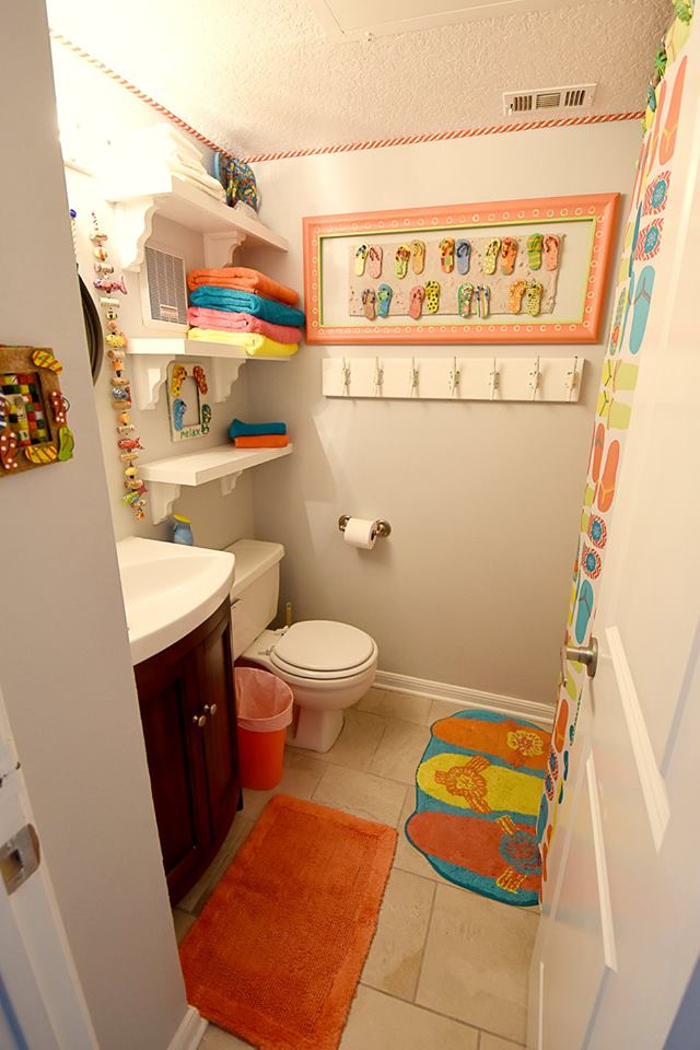 Swanky Colorful Kids Bathroom Design Idea