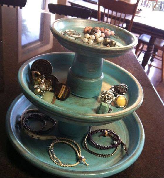 Using Terracotta Pots To Organize Jewelry