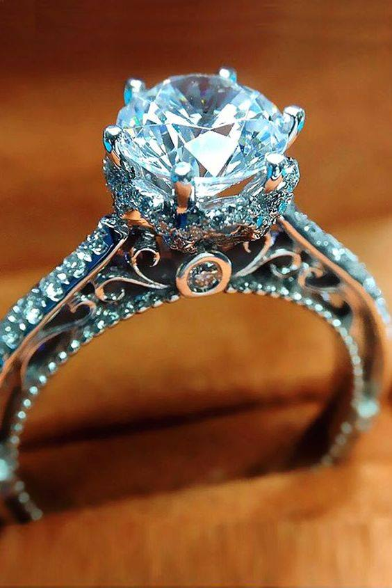 adoring vintage style diamond engagement ring - Exotic Wedding Rings
