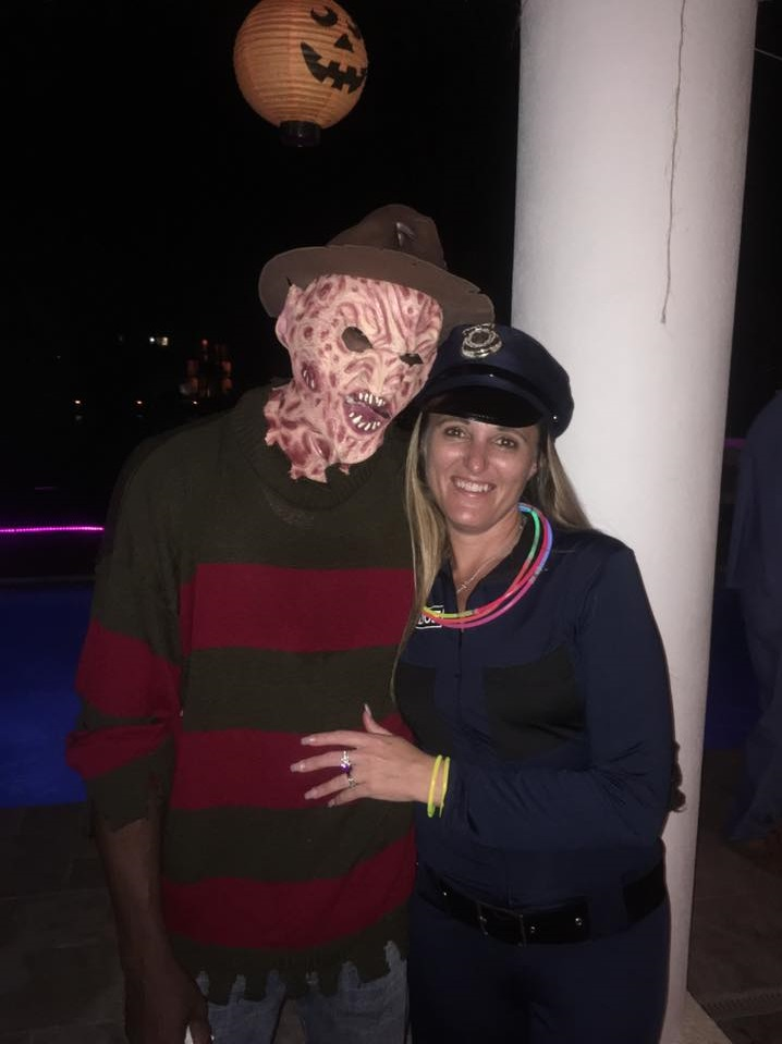 adults spooky halloween couple costumes