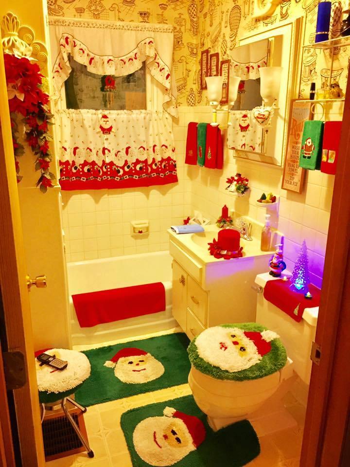 35 fascinating bathroom decor for christmas makeover for Bathroom ideas for christmas