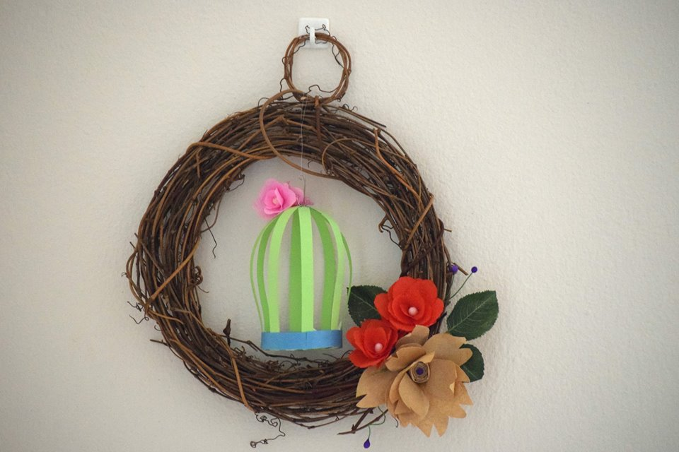 Attractive Quilling Paper And Wood Sterm Wreath