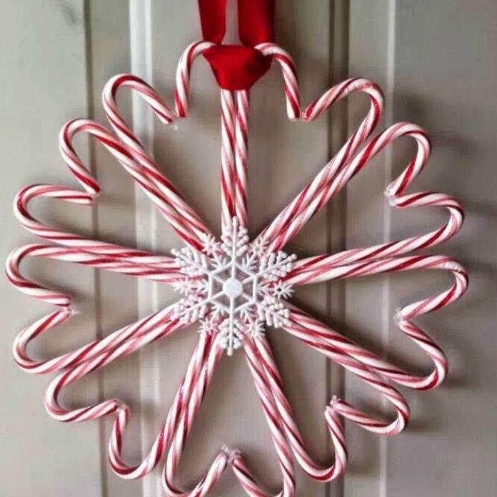 Beautiful DIY Candy Cane Christmas Wreath