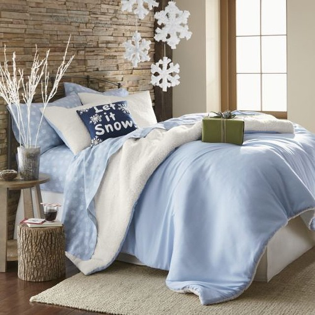 Blue And White Snowflakes Bedroom Decoration