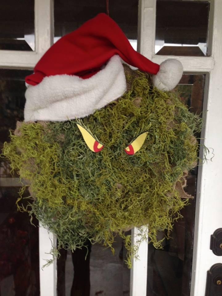 Charming DIY Grinch Christmas Wreath