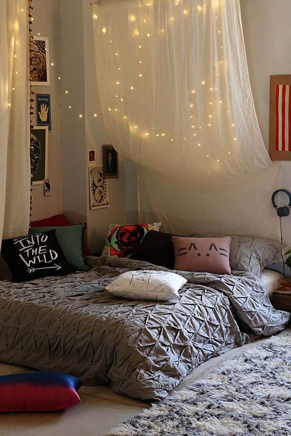Creative Christmas Light In Bedroom