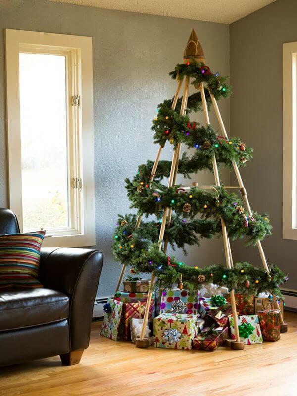 Creative Christmas Tree Decor Idea