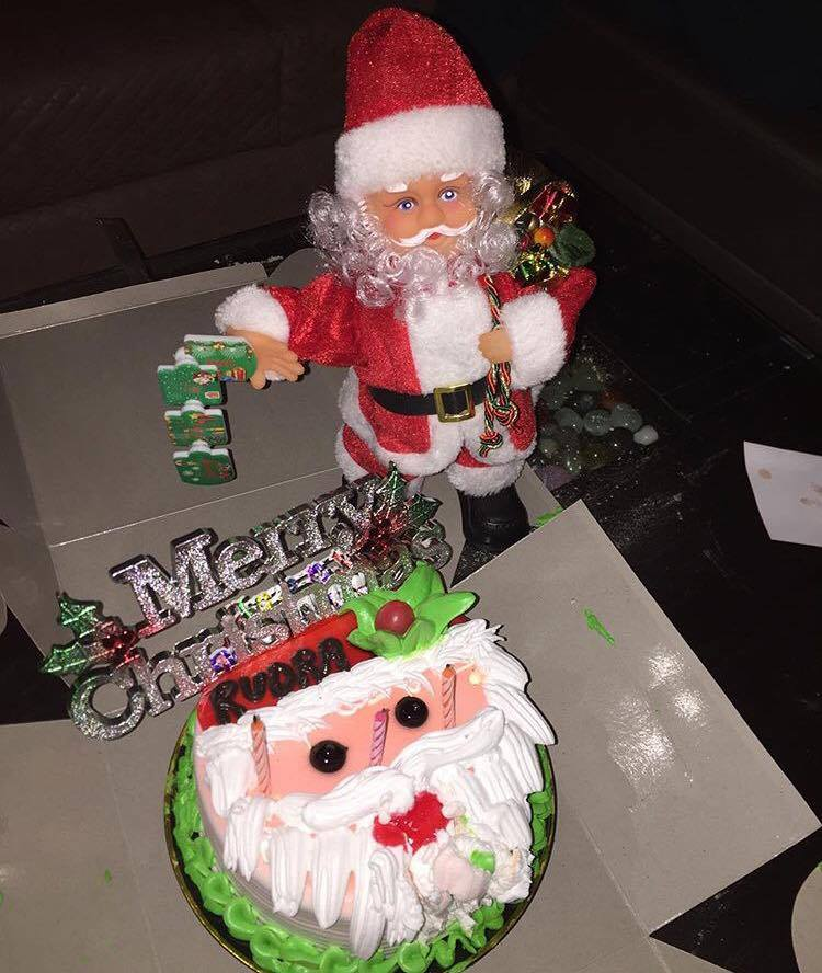 Designer Christmas Cake With Santa