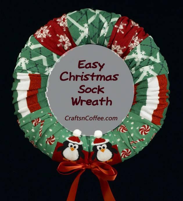 Fabulous DIY Cocks Christmas Wreath