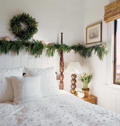 Garland Christmas Bedroom Decor