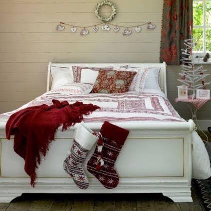 Graceful Bedroom Decor For Christmas