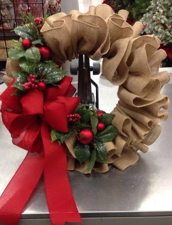 Graceful Christmas Burlap Ruffle Wreath