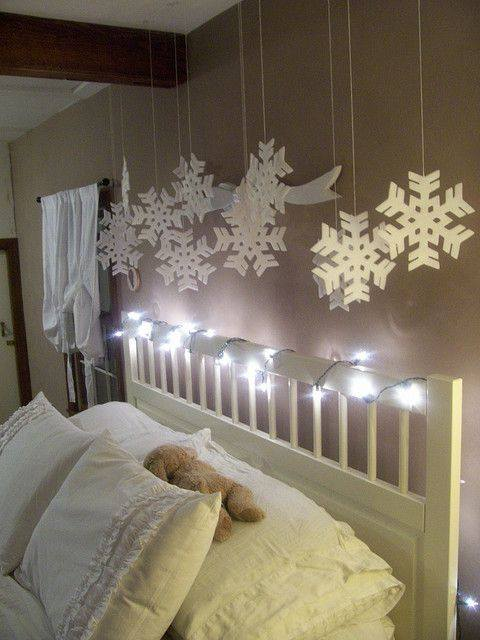 Hanging Snowflakes To Decor Bedroom