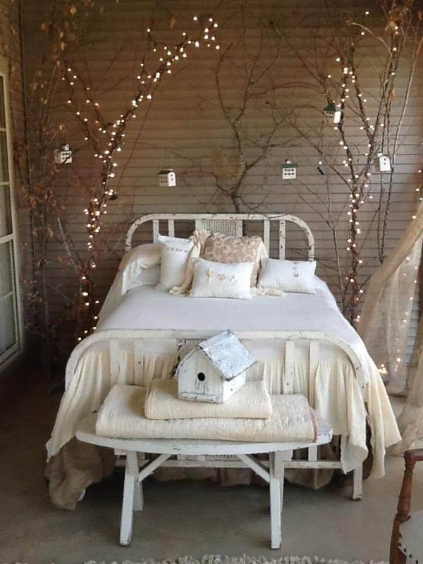 Lovely White Bedroom Decorated With Lights