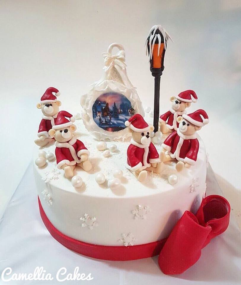 Precious Santas On Christmas Cake