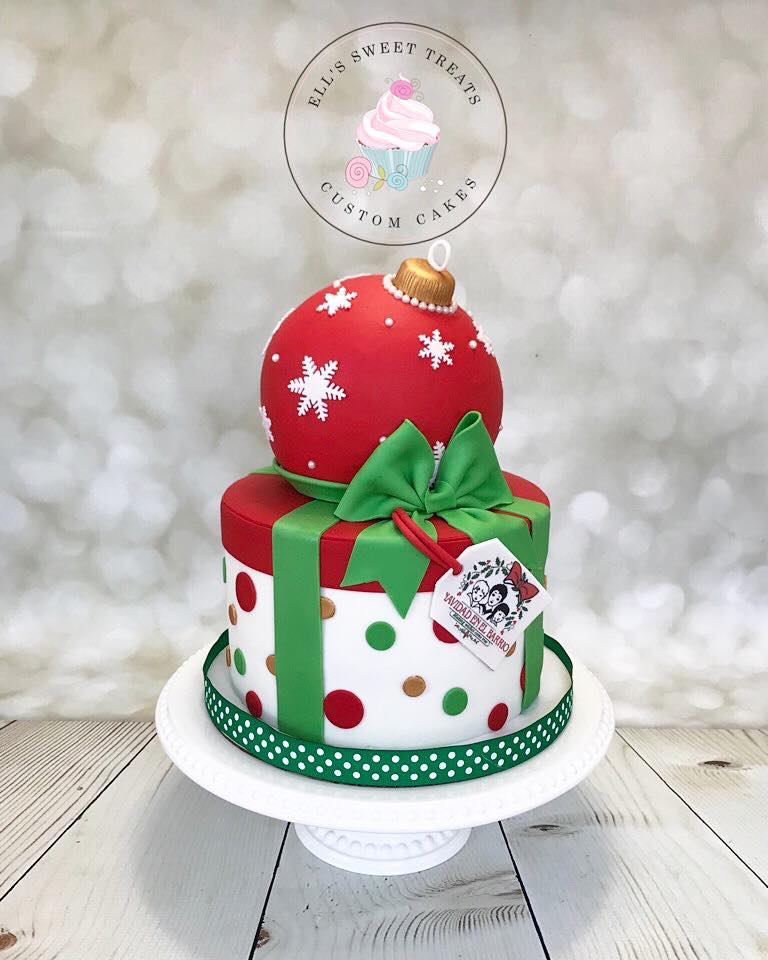 Remarkable Christmas Cake