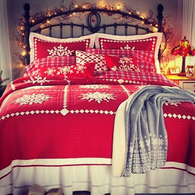 Remarkable Red Bedding With Fairy Light