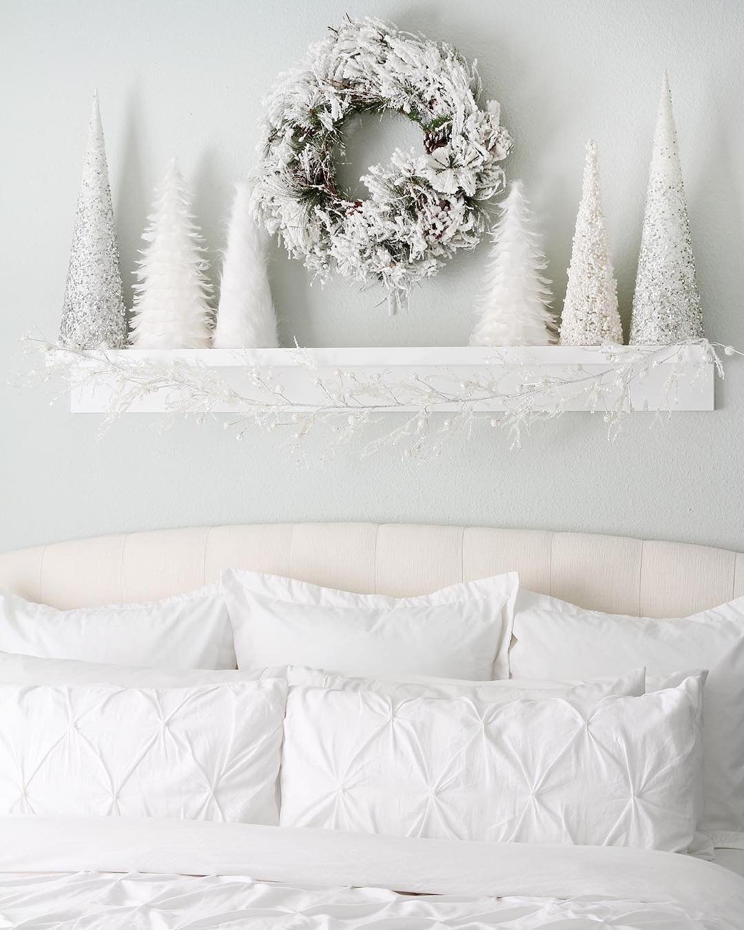 Rocking White Bedroom Decor With White Christmas Tree And Wreath