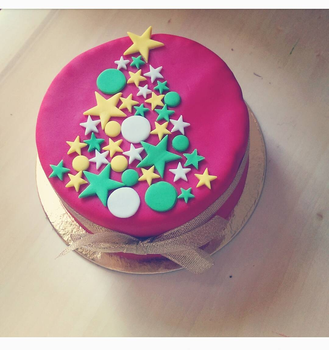 Amazing Christmas Cake Decorated With Colored Stars