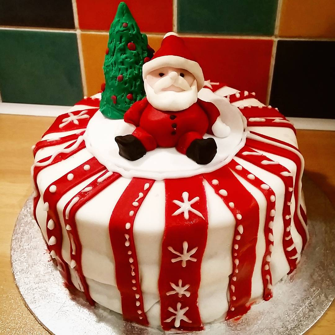 Attractive Red And White Santa Claus Cake