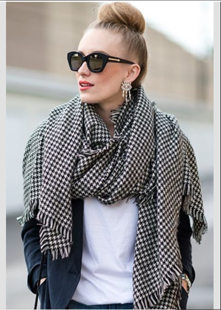 Awesome Black & White Oversized Woolen Fronged Scarf