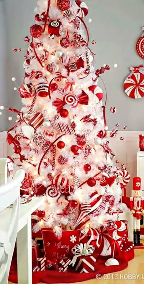 Awesome Tree Decor With Candy And Ornaments