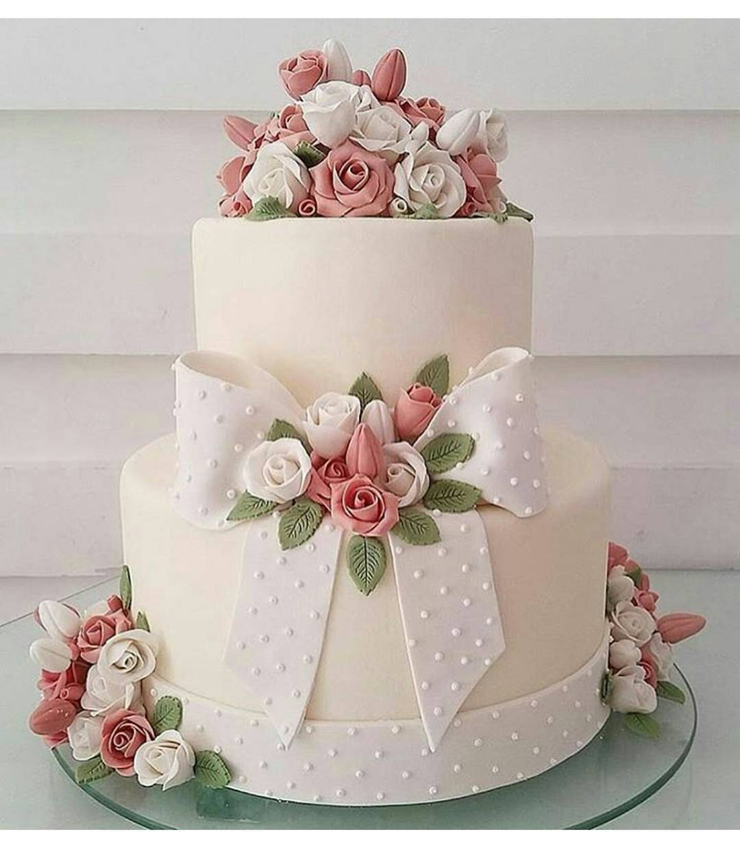 New Wedding Ideas 2018: 35 Delicious New Year Cake Ideas For A Sumptuous New Year 2018