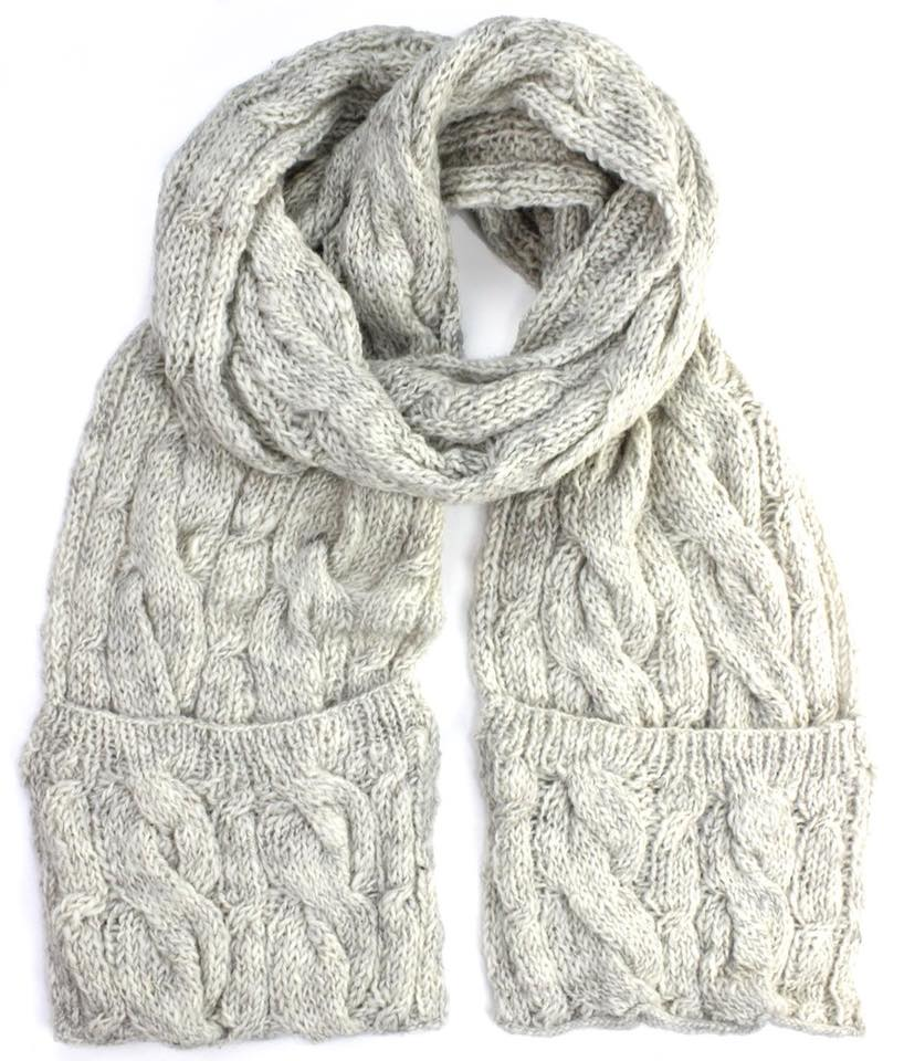 Beautiful Woolen Scarf With Pocket