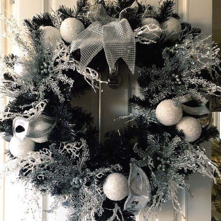 Black And Silver Wreath For Christmas
