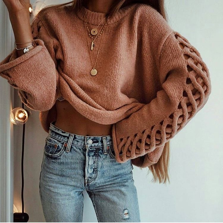 Boho Style Sweater With High Waist Jeans