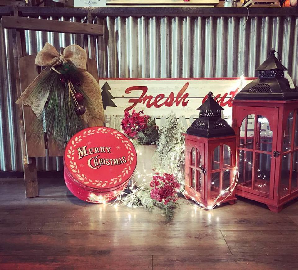 Classic Home Decor With Lantern And Burp Wreath