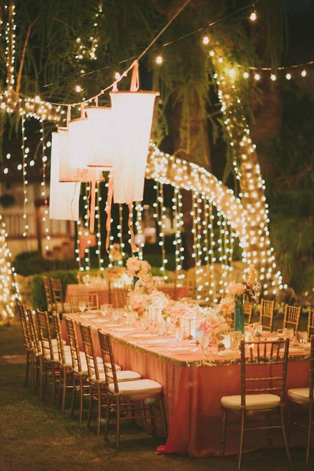 Classic Winter Garden Decor For Dinner Party