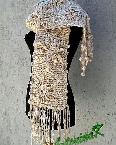 Dashing Handmade Crochet Flower Woolen Scarf