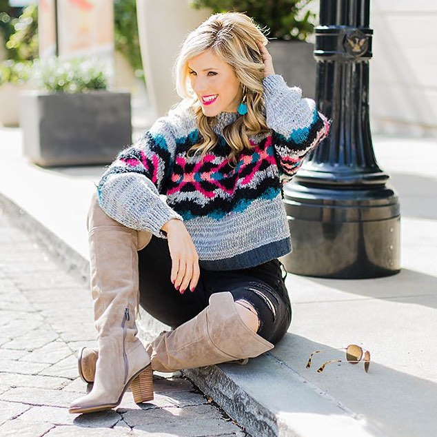 Dazzling Cropped Sweater Paired With Distressed Jeans And Knee Shoes