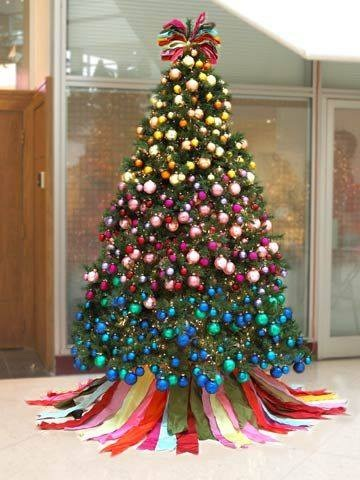 Decorate Christmas Tree Like Rainbow