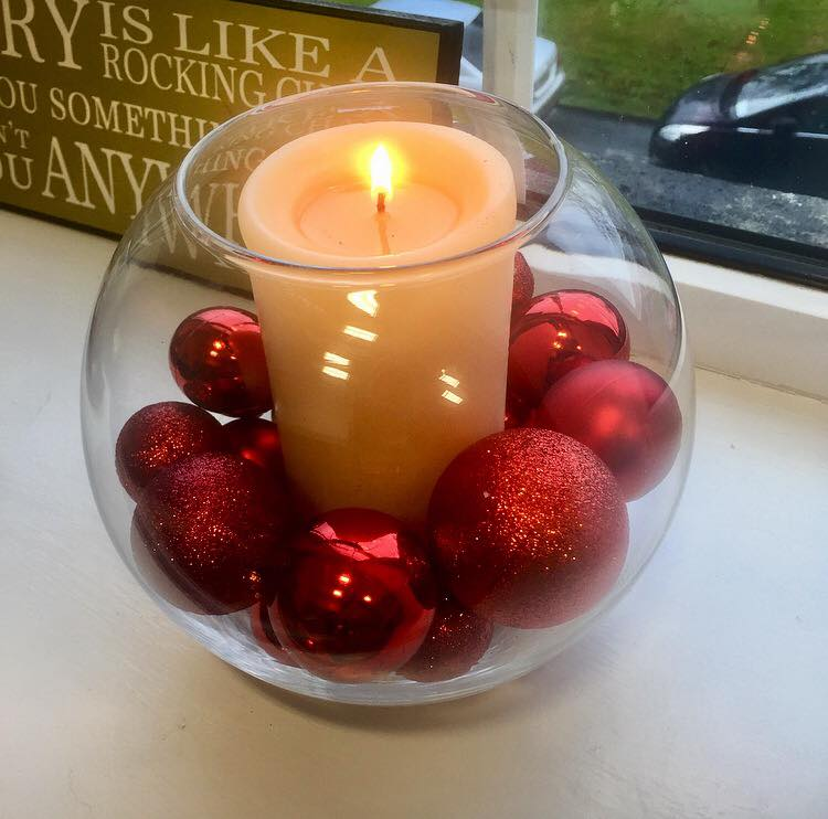 Easy Candle Decor With Big Red Ornaments In Jar
