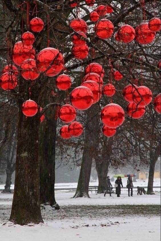 Easy Ornament Decor Idea