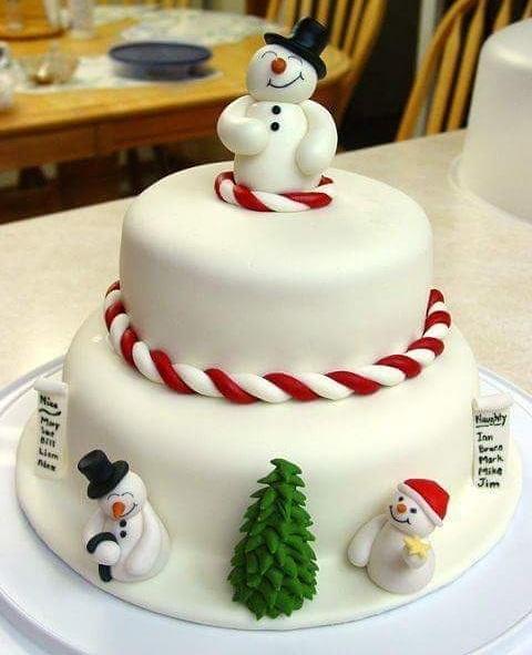 Elegant Christmas Cake Design