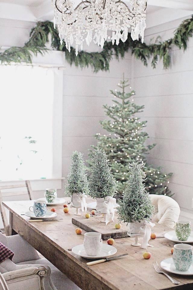 Elegant Tree Decor Idea