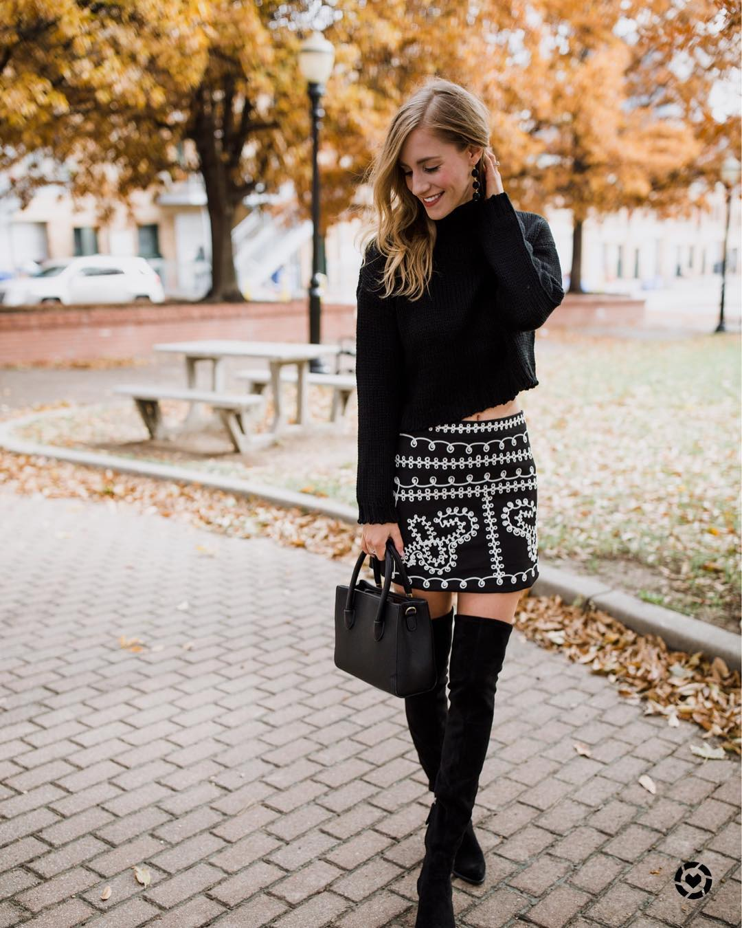 Exclusive Black Plane Cropped Sweater Paired With Printed Short Skirt, Thigh Shoes And Handbag