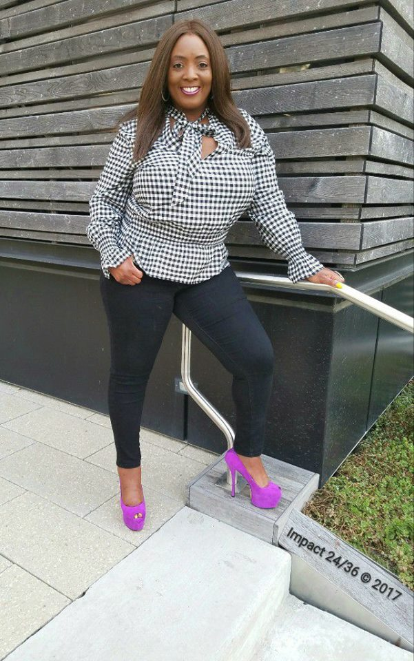 Exclusive Black & White Gingham Print Full Sleeves Top With Jeans And Violet Open Toe Pumps