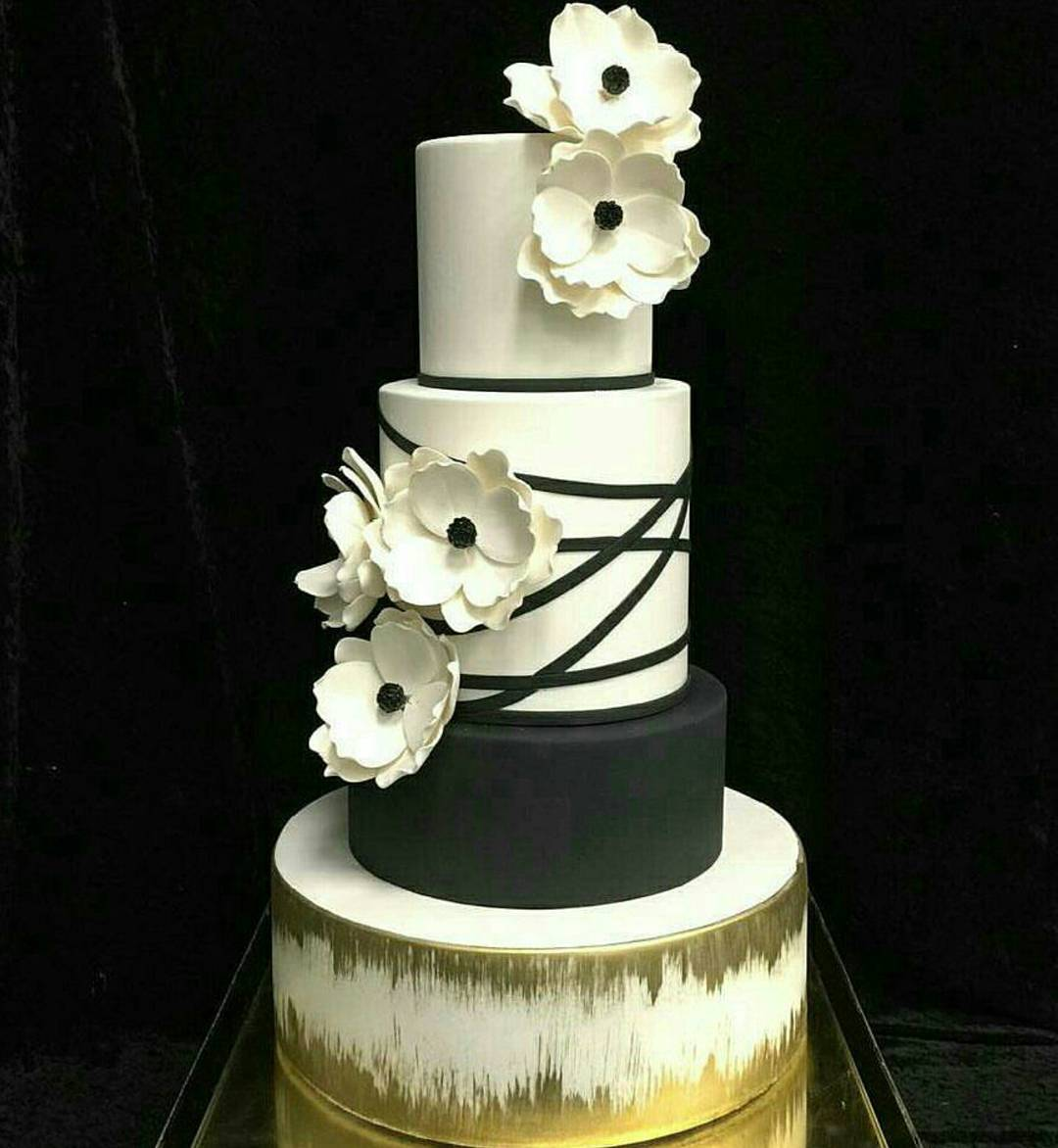 Fabulous Black & White New Year Party Cake