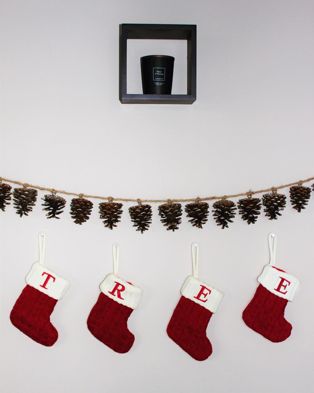 Frosted Pine-Cones Garland With Socks