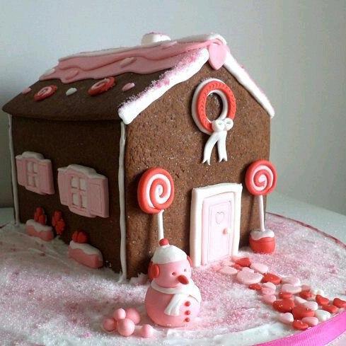 Ginger Bread House Christmas Cake