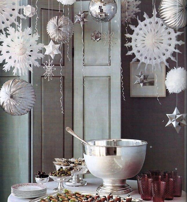 Glamorous Hanging Ornaments In Dinning Room