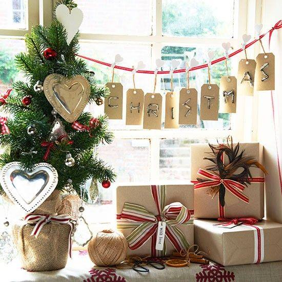 Decorate Your Christmas Tree With Ribbon